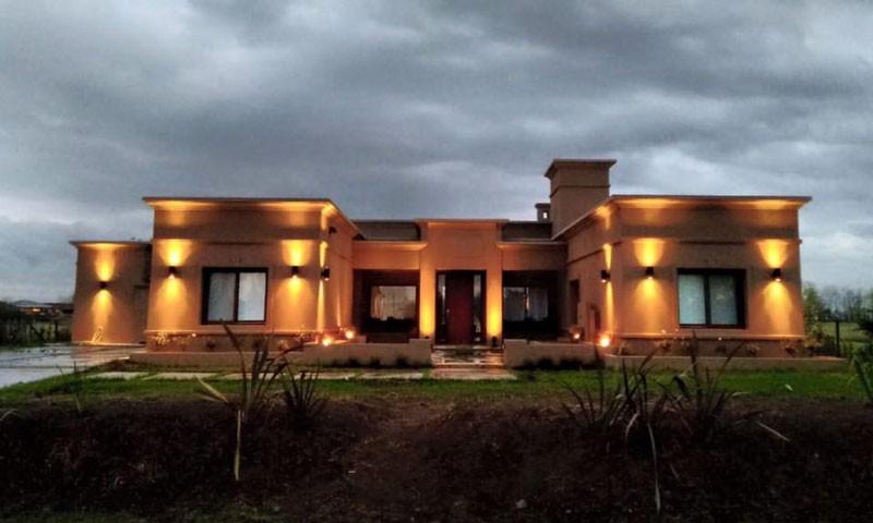 Casa en estancias del pilar l l studio dise o de - Casa de iluminacion ...